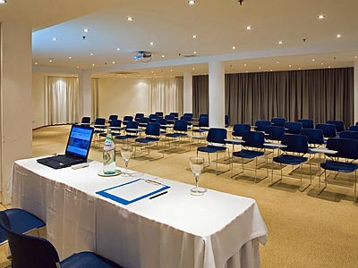 dndtravel-santorini-majestic-cyclades-conference